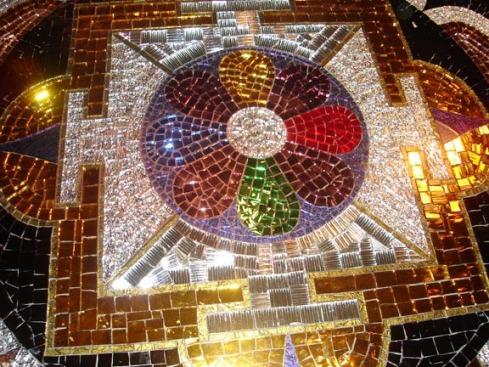 mandala-table-detail