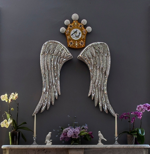 wings with crown cropped300